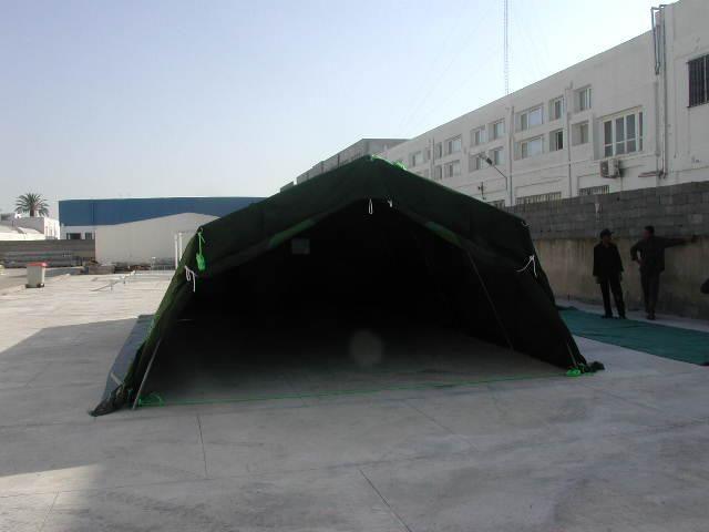 tente-militaire