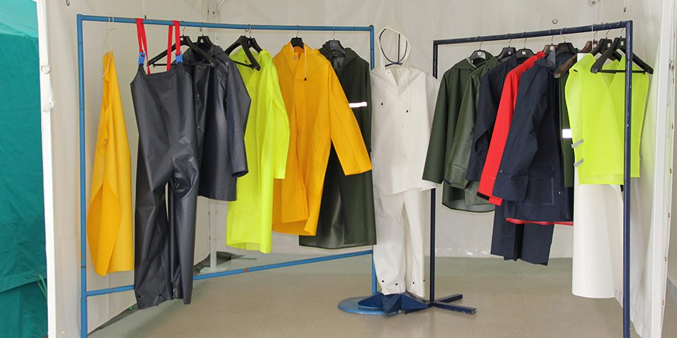 vestes-salopettes-et-ensemble-veste-et-pantalon